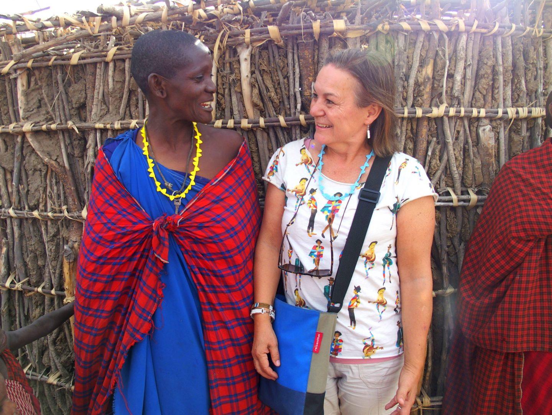 Discussion avec femme Massaï Tanzanie