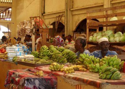 Etal fruits marché Madagascar