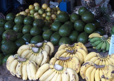 Fruits et légumes marché Dar es Salaam Tanzanie