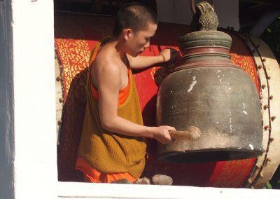 Gong pour sonner l'office monastère Luang Prabang Laos
