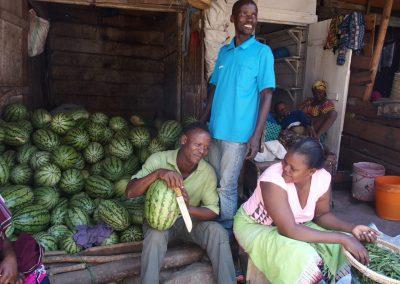 Marchand pastèques marché Dar es Salaam Tanzanie