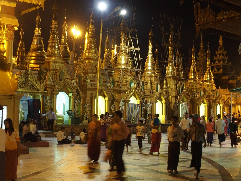 Parvis pagode Shwedagon Birmanie