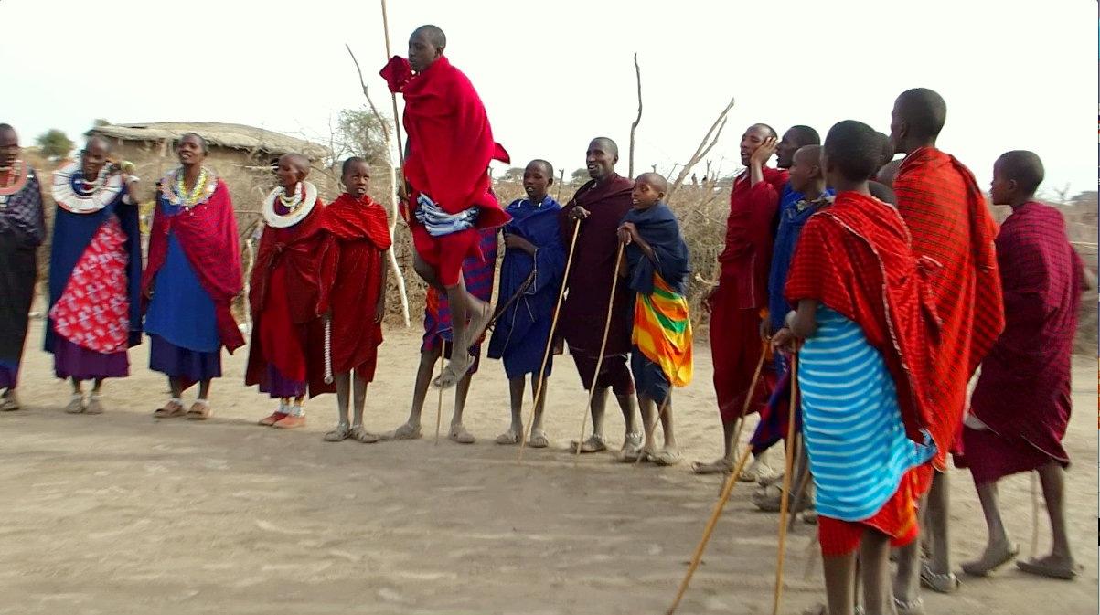 Premiers sauts danse Massaï Tanzanie