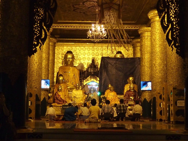 Prière Birmanie