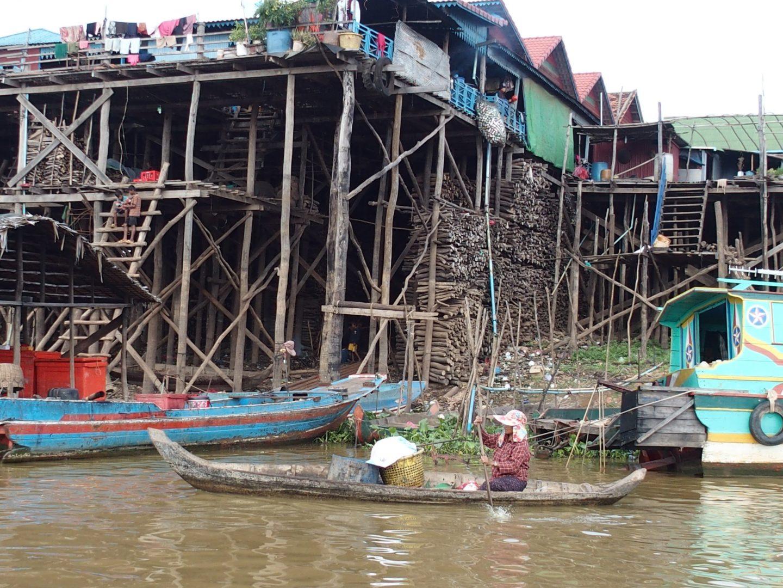 Scène de vie sur lac Tonle Sap Cambodge