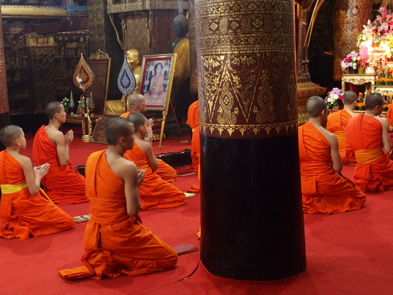 Temps de prière Luang Prabang Laos