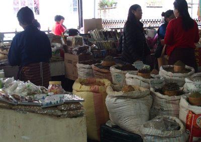 Vente épices marché Timphu Bhoutan