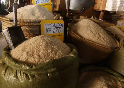 Vente riz marché Dar es Salaam Tanzanie
