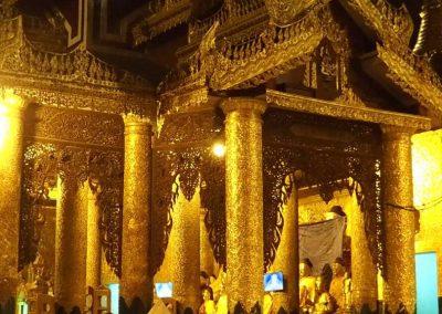 Entrée pagode Shwegadon Birmanie