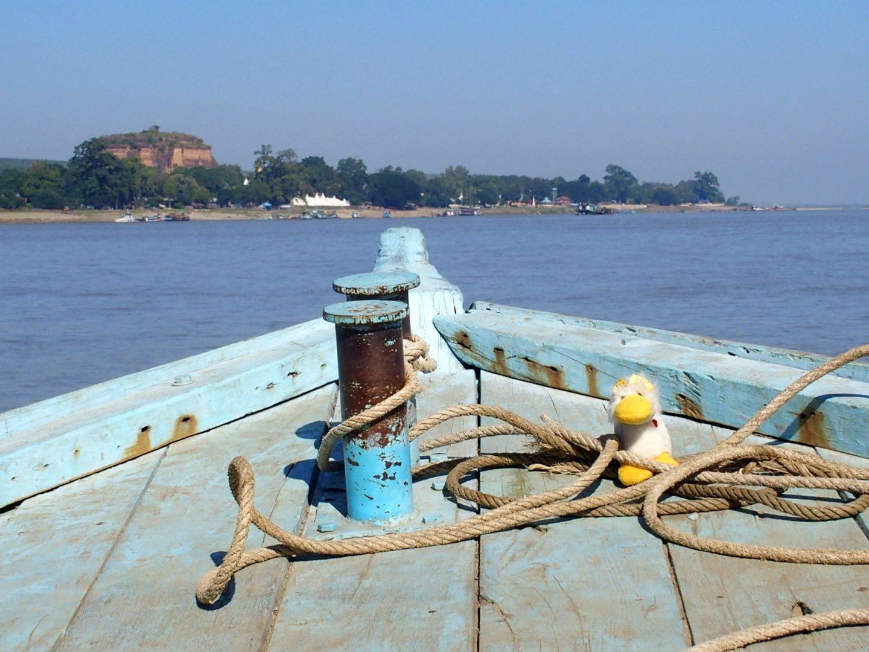 Arrivée avec Couinn-Couinn Mingun Pagode inachevée Birmanie