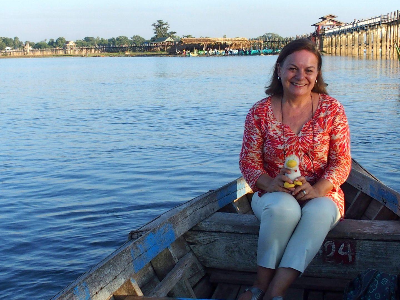 Avec Couinn-Couinn sur barque devant pont U Bein Birmanie