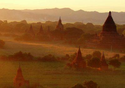 Couleurs chaudes sur Bagan Birmanie