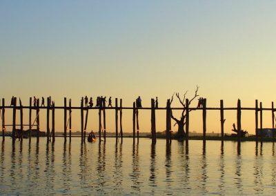 Début soirée sur pont U Bein Amarapura Birmanie