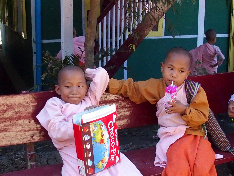 Goûter école de Mandalay Birmanie