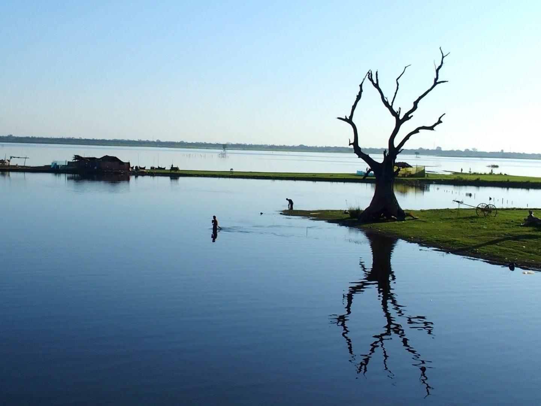 Paysage proche pont U Bein Amarapura Birmanie