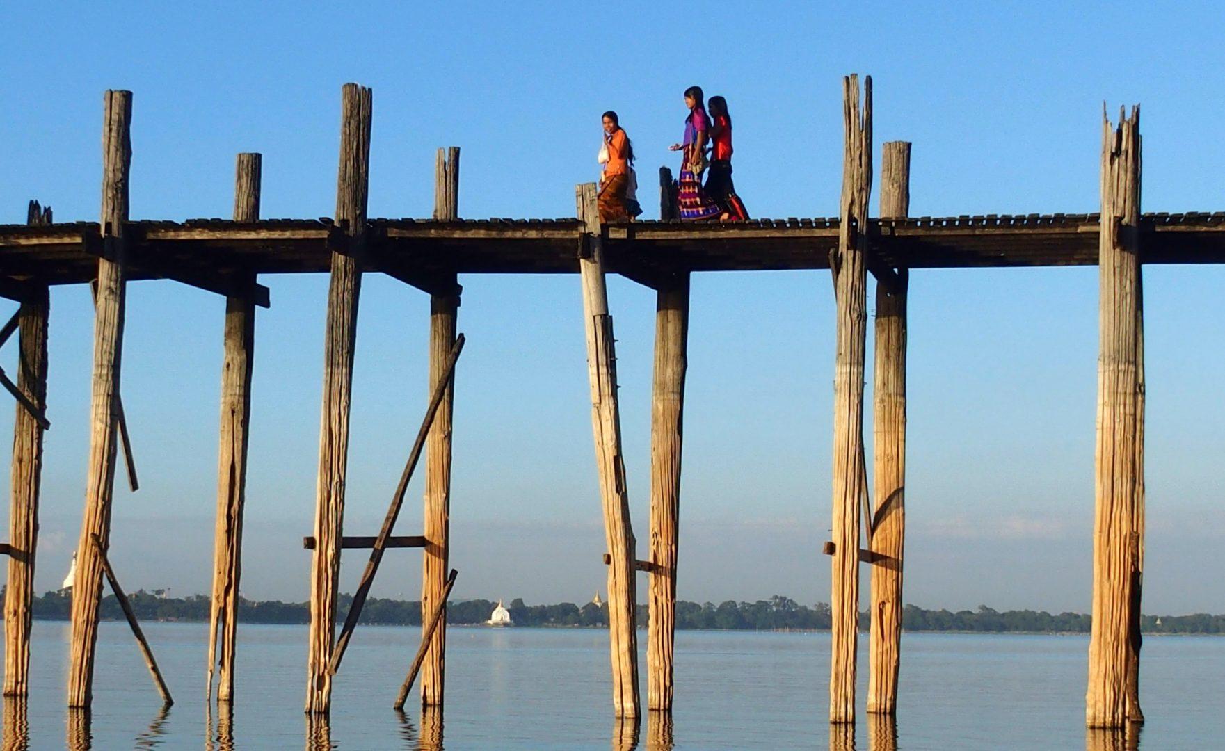 Pont U Bein de jour Amarapura Birmanie