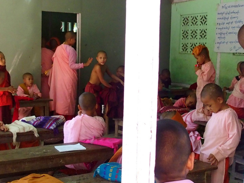 Salle classe Mandalay Birmanie