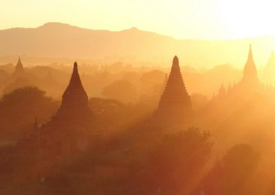 Soirée dorée Bagan Birmanie