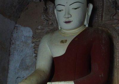 Statue Bouddha Temple Bagan Birmanie