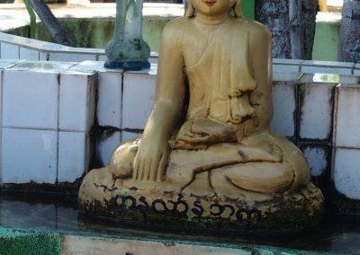 Statuette jour semaine Bagan Birmanie
