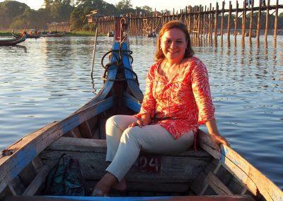 Sur barque U Bein Amarapura Birmanie