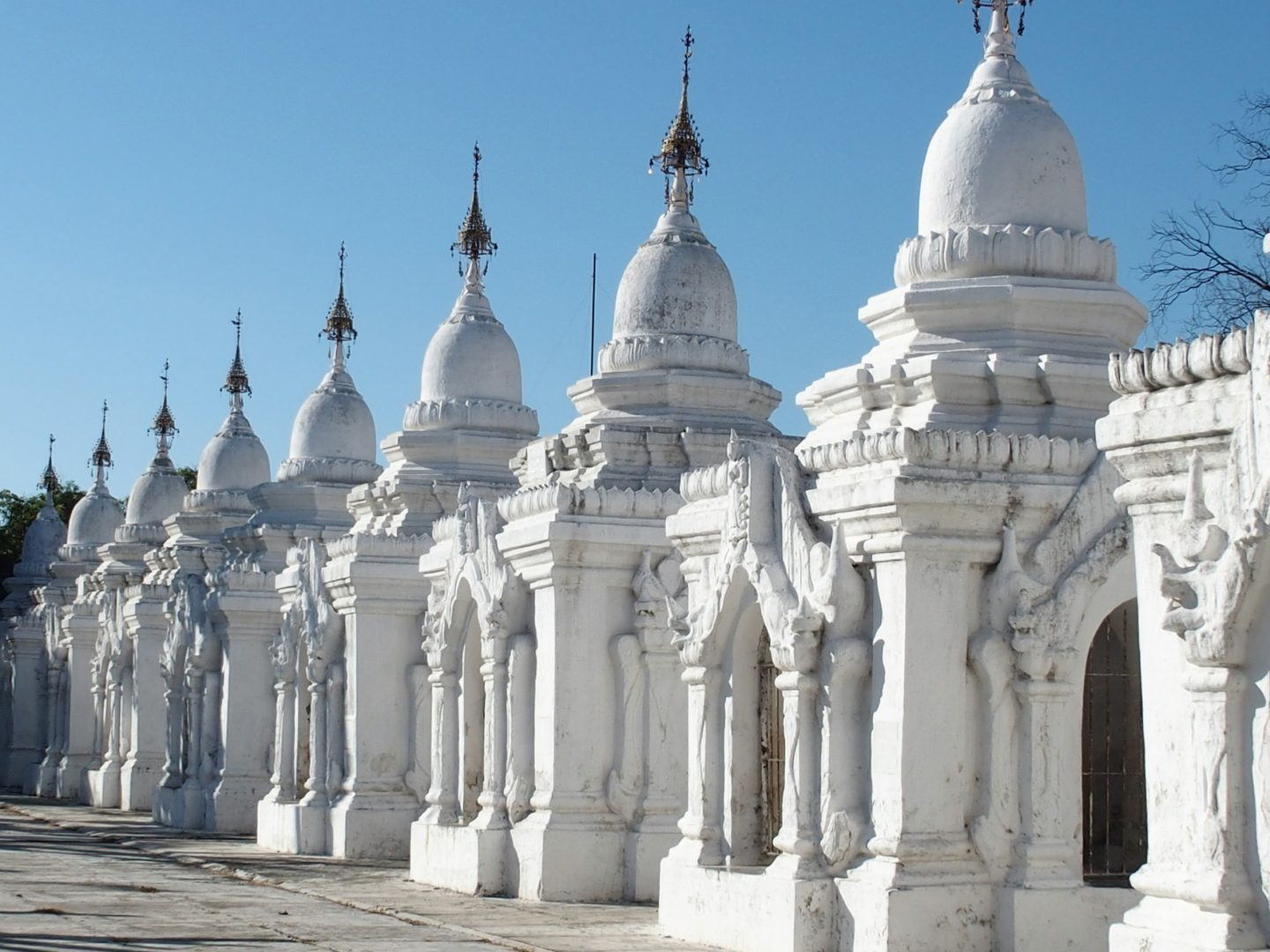 Temples pagode Temples pagode Escalier et chinthes stupa pagode Hsinbyume Mingun Birmanie