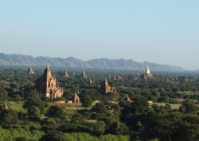 Temples plaine de Bagan Birmanie