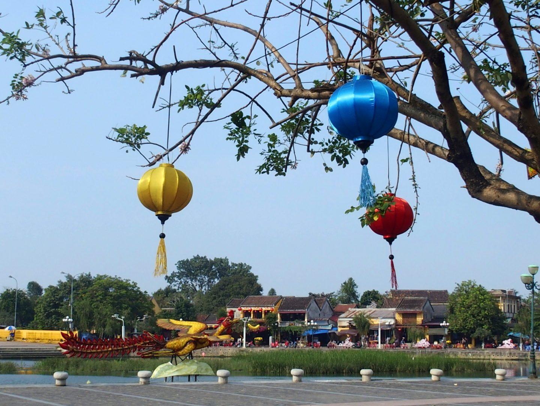Lampions aux arbres Hoï An Vietnam