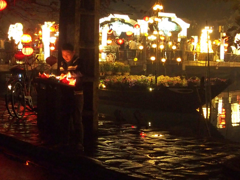 Lampions bord rivière Hoï An Vietnam