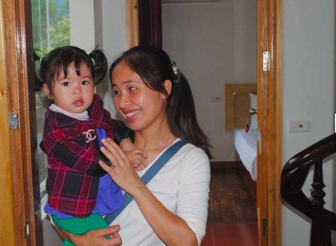 Van et sa petite fille Botanic Sapa guesthouse Sapa Vietnam