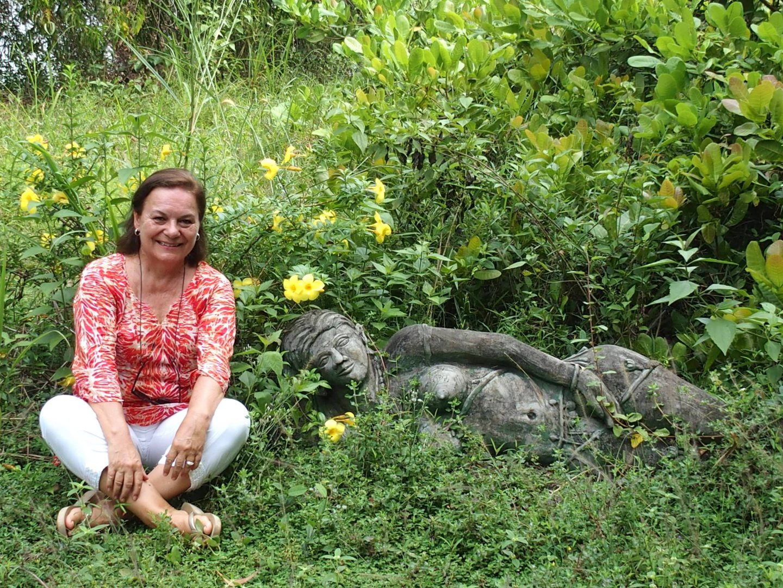 A côté statue déesse indienne Kerala Inde