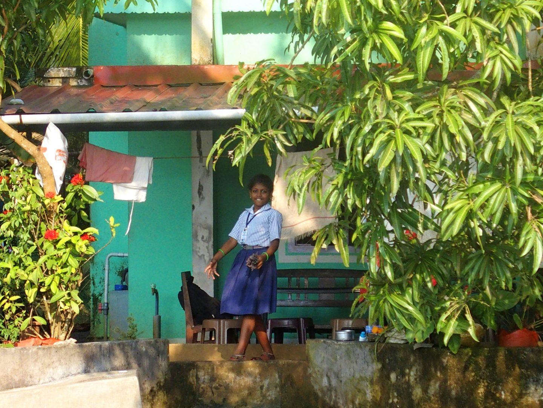 Petite écolière backwaters Allepey Kerala Inde