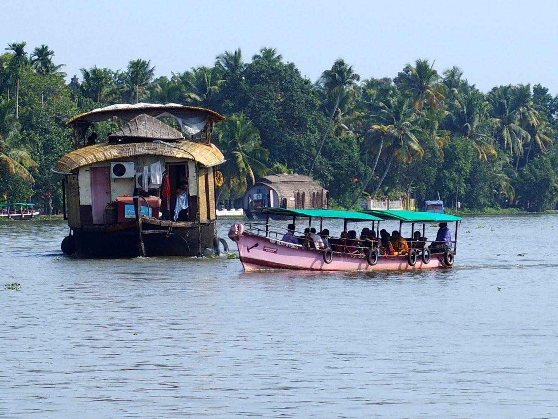 Transport en commun sur backwater Allepey Kerala Inde