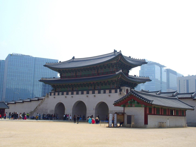 Contraste tradition et modernité Séoul Corée du sud