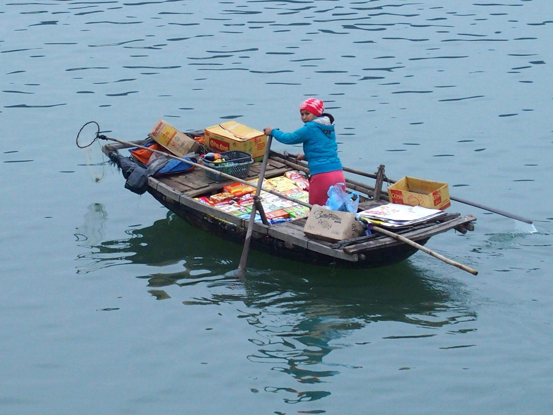 Epicerie flottante Baie d'Halong Vietnam