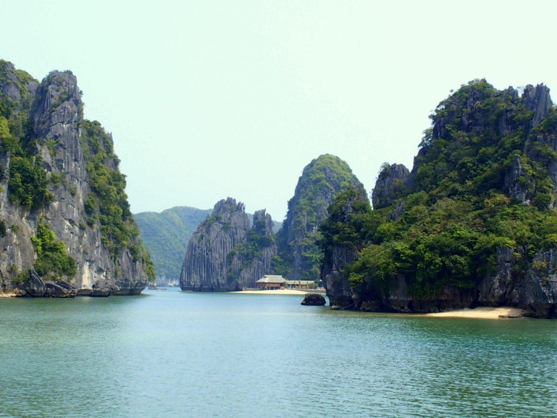 Nam Cat Resort dans crique baie Lanh Ha Vietnam