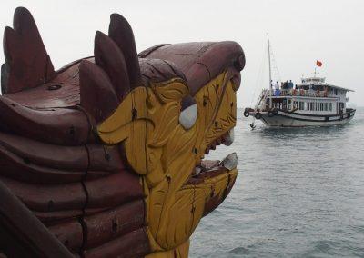 Tête de proue du bateau Baie d'Halong Vietnam