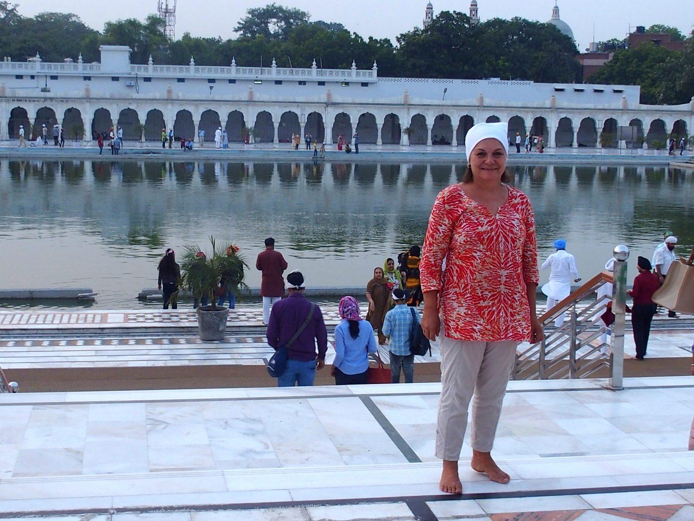 Avec mon petit foulard blanc dans le temple sikh Delhi Inde