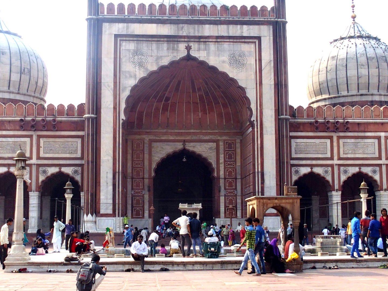 Entrée de la Grande Mosquée New Delhi Inde