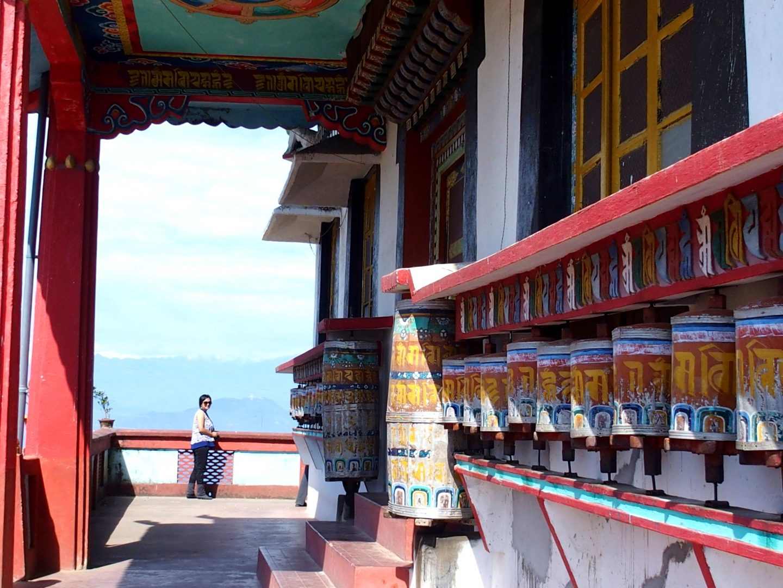 Karishma dans le temple de Kalimpong Inde