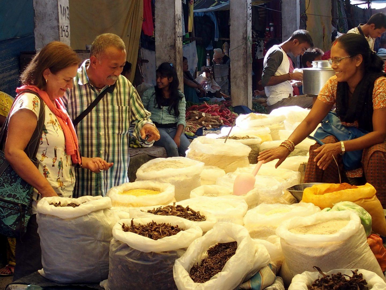 Visite du marché de Kalimpong avec père Karishma