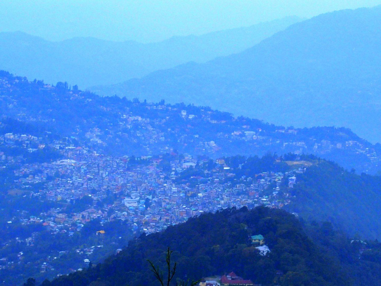 Vue sur Kalimpong en fin de journée Inde