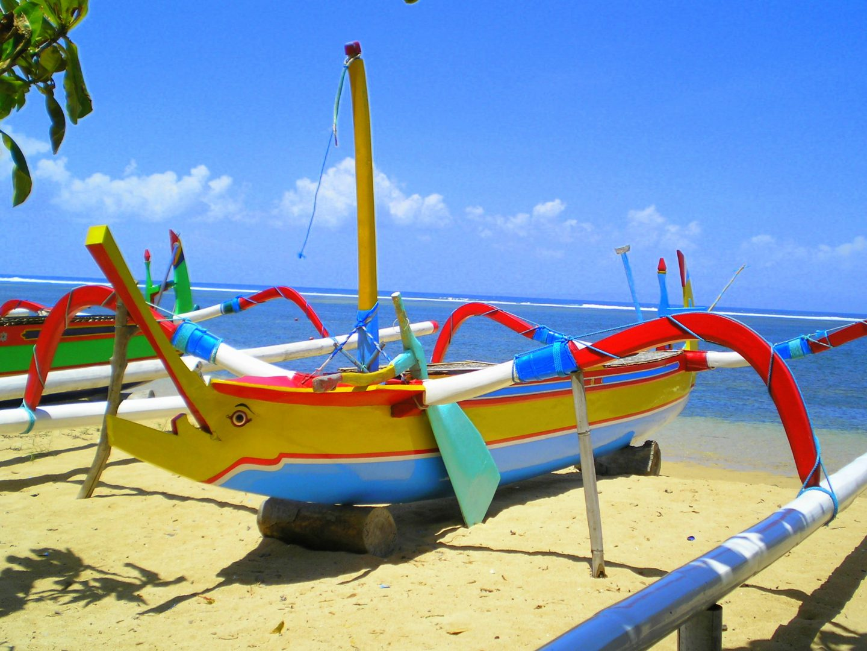 Bateau de pêche traditionnel Jimbaran Bali