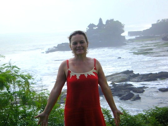 Devant Tanah Lot Bali
