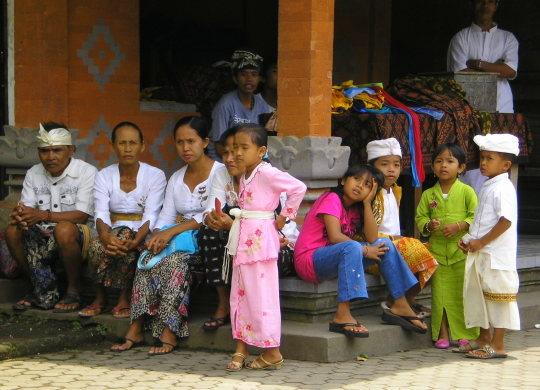 Familles balinaises Besakih Bali