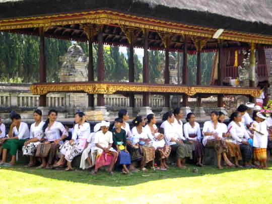 Groupe balinais Besakih Bali