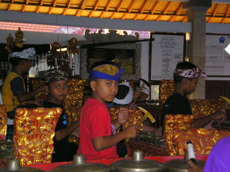 Jeunes garçons Ecole de musique Sanur