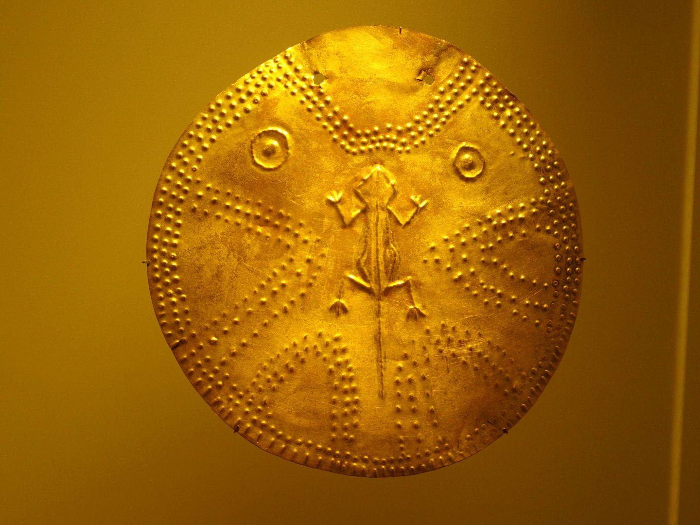 Pièce avec reptile Musée de l'Or Bogota Colombie