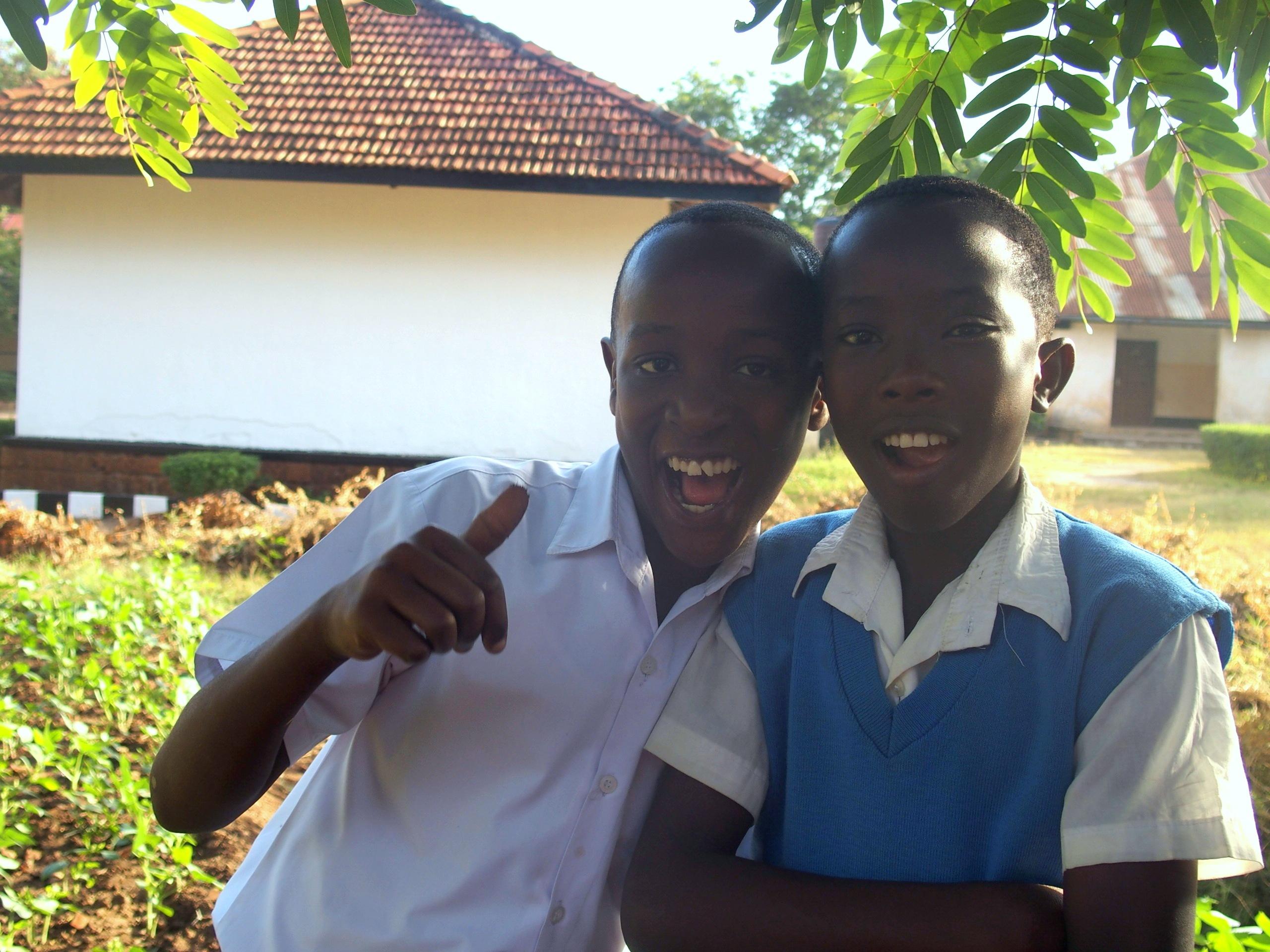Accueil jeunes élèves école Tanzanie