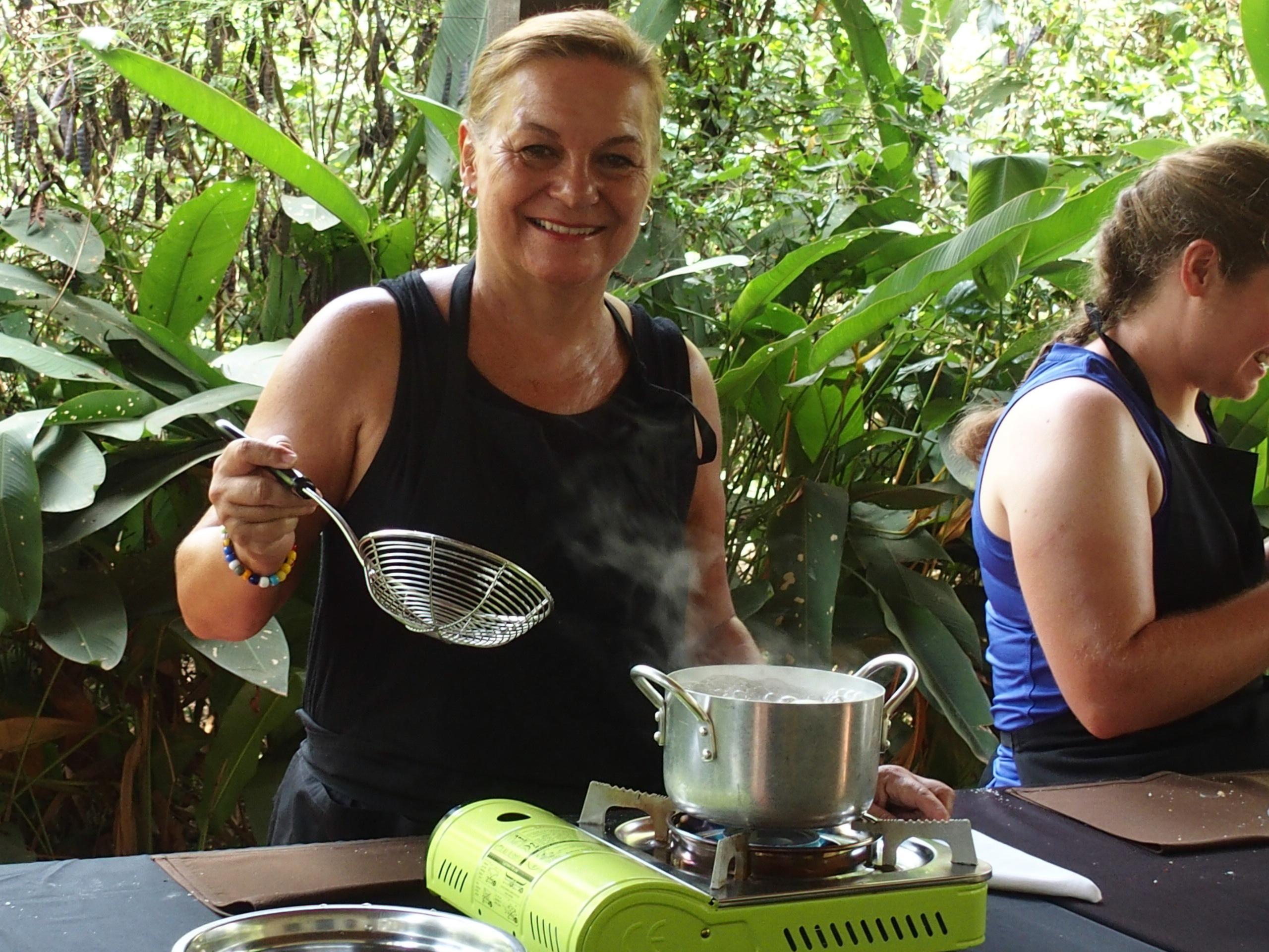 Cours de cuisine au Cambodge.